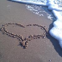Hjärta på stranden