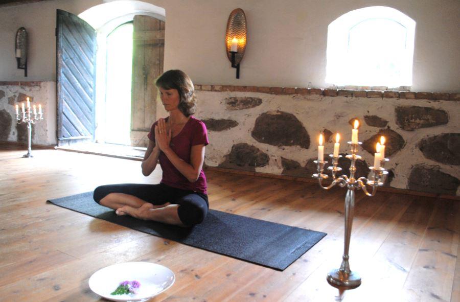 Yoga Carina Holgersson Vallens Säteri Våxtorp Laholm Halland